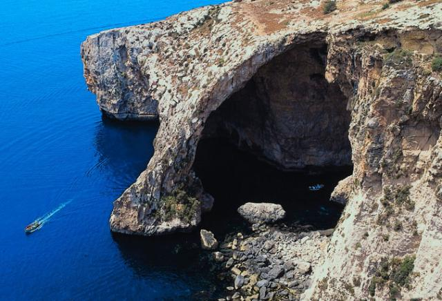 gruta azul malta mediterrâneo