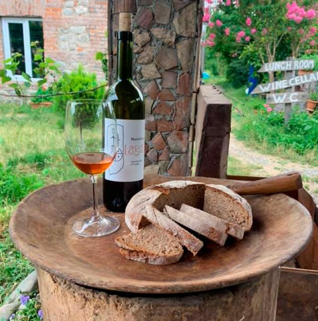 vinho geórgia lagazi wine cellar