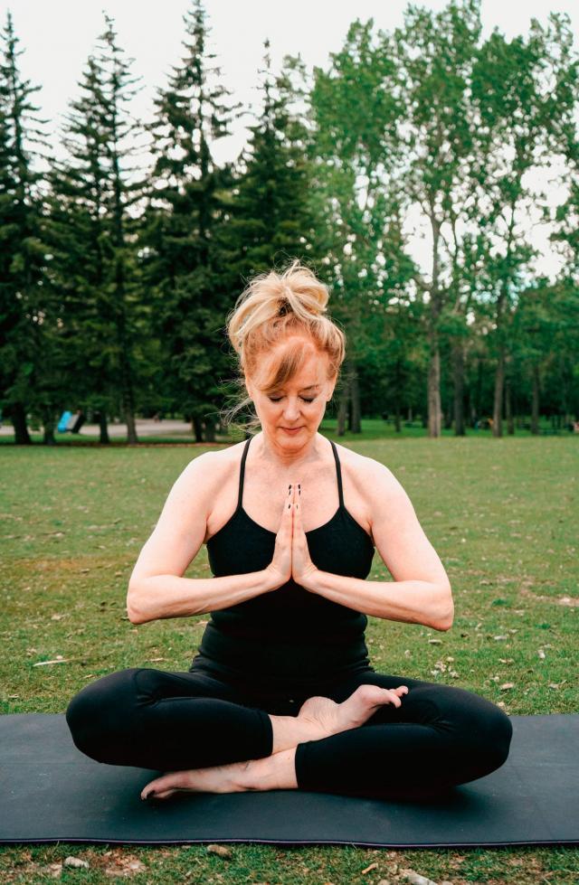 ioga para a terceira idade